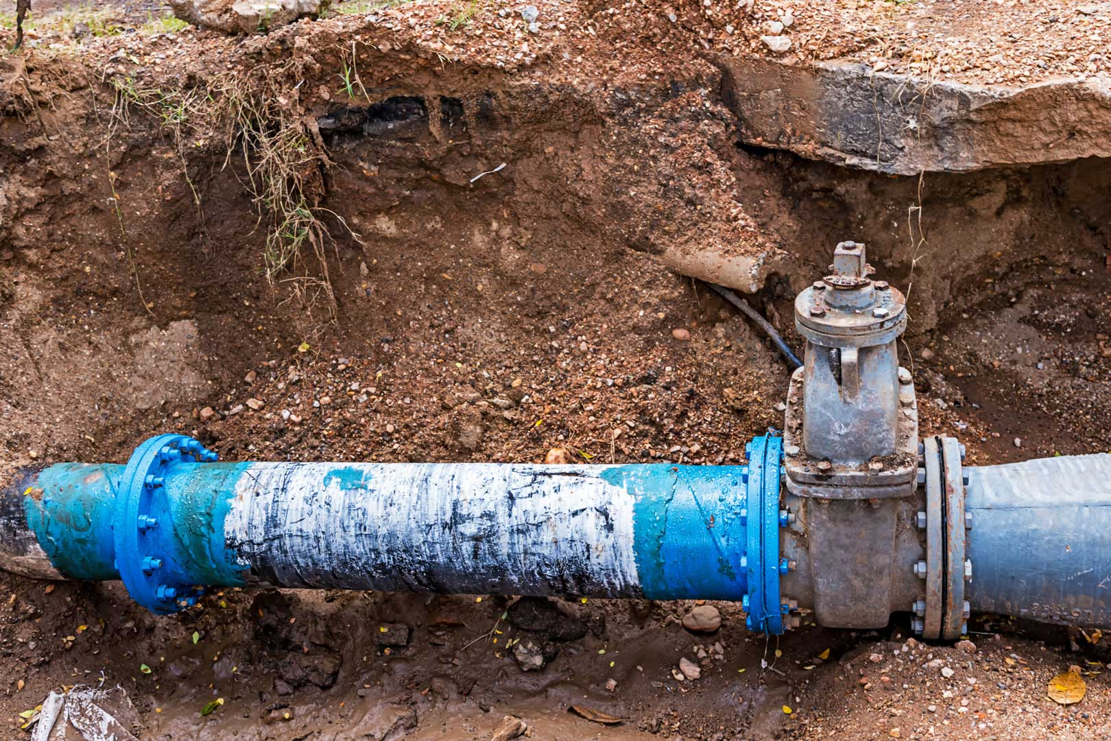 Blue-water-pipes-buried-underground